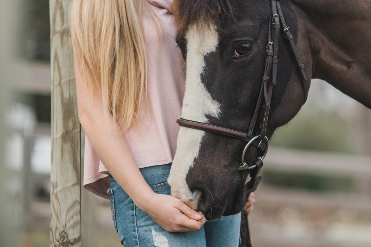 girl-with-horse
